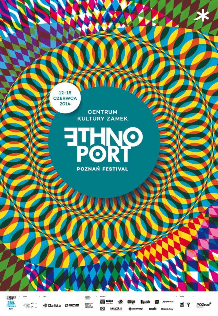 """W centralnym punkcie plakatu znajduje się szaroniebieskie koło z napisem Centrum Kultury ZAMEK Ethno Port Poznań Festiwal (litera """"E"""" w wyrazie Ethno odwrócona w lewo). Połączone z nim jest mniejsze, białe kółko z datą 12-15 czerwca 2014. Są to jedyne spokojne elementy plakatu. Otoczone są przez trzy kolorowe, bardzo wzorzyste, wywołujące złudzenia optyczne okręgi. Przypominają one układankę w kalejdoskopie lub bardzo gęste, zachodzące na siebie, stworzone przez dzieci papierowe łańcuchy choinkowe. Góra i dół plakatu wypełniona jest drobnymi, różnokolorowymi, przenikającymi się wzajemnie rombami. Dominujące kolory to żółty i niebieski."""