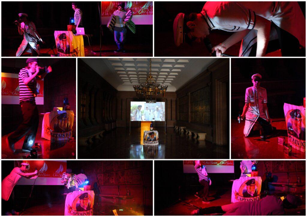 """Fotografia przedstawia kolaż zdjęć ukazujących różne ujęcia z koncertu zespołu Kashanti, zrealizowanego we wnętrzu zamkowego Holu Kolumnowego. Trzech artystów w klasycznych marynarskich strojach ukazanych jest w różnych pozach podczas śpiewania. Jedynym elementem scenografii jest pulpit didżejski osłonięty plakatem z reklamą """"Paluszków Kapitan Iglo"""" oraz wisząca w tle reklama perfum Old Spice. Ciemne wnętrze rozświetla różowe światło scenicznych reflektorów i błękit światła ostrzegawczego z policyjnego koguta stojącego na didżejskim pulpicie"""